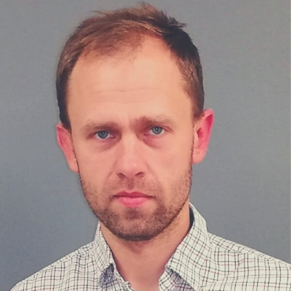 dr Piotr Staszczuk